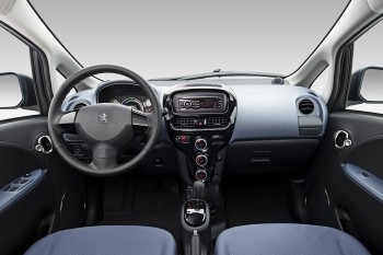 Ohne Luxus-Peugeot iOn