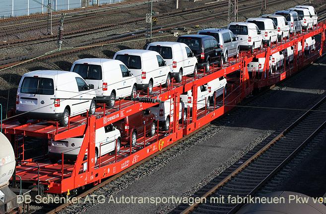 DB Autozug-Am Stau vorbei