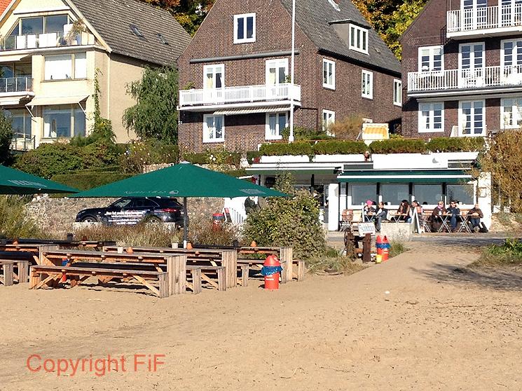 Der Strand am Rande der Stadt-Kajüte S.B. 12