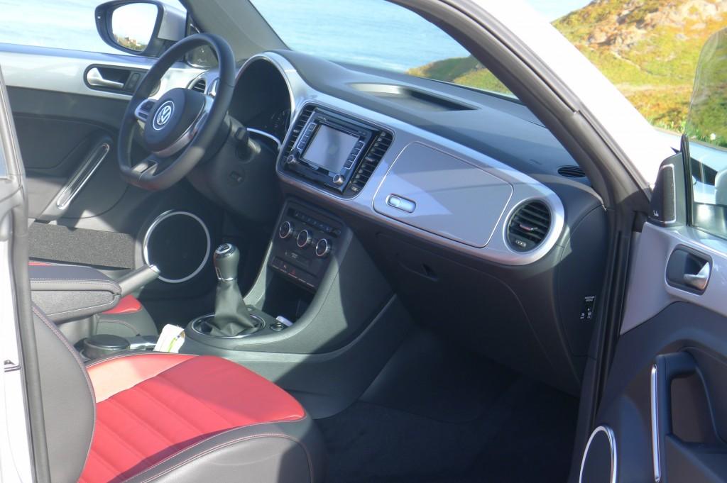 Volkswagen Beetle- schwarzer Kunststoff nur in der Basissversion