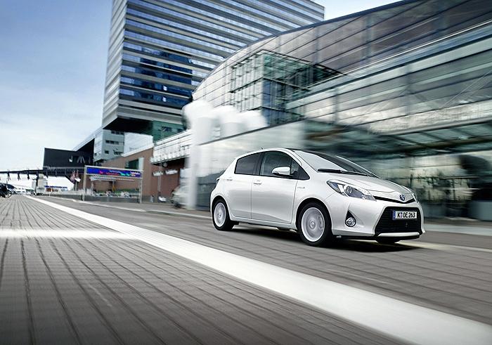 Toyota YarisYARIS_HYBRID_DYN_03_DPL_2012