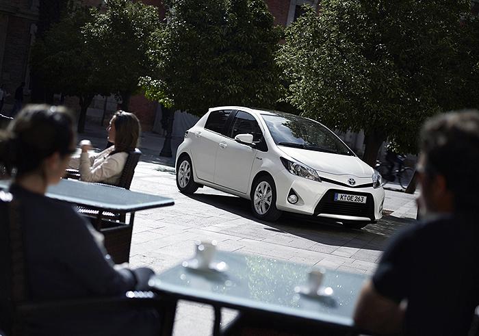 Toyota YarisYARIS_HYBRID_STAT_08_DPL_2012