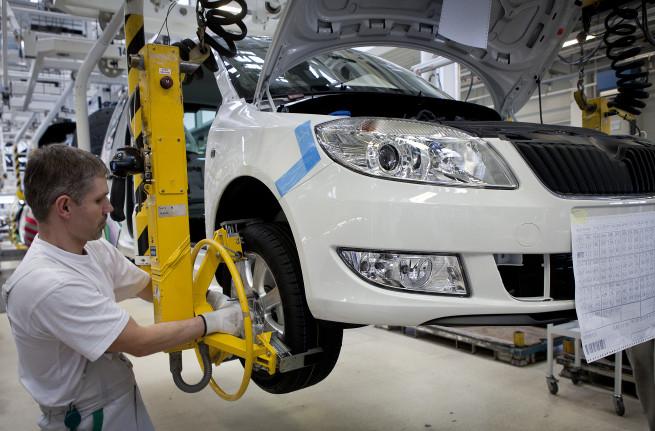 Výroba modelu ¦koda Roomster v automobilce ¦koda Auto a.s. závod Kvasiny.