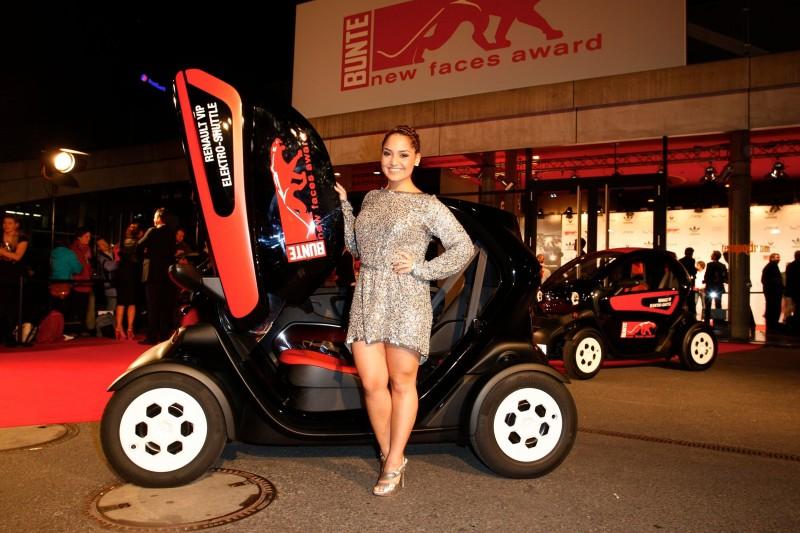 """Mit Renault zum roten Teppich beim """"new faces award FILM 2013"""""""